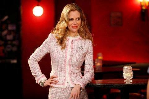 Pamela Ravenscroft played by Kristin Bauer Van Straten