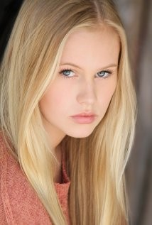 Addy as a teenager played by Danika Yarosh